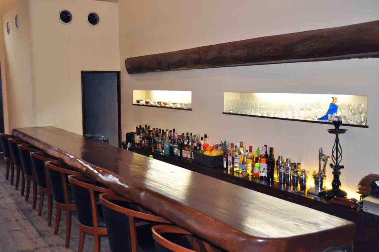 barアンティーク店内
